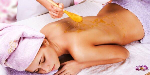 4x medová detoxikační masáž s cukrovým peelingem