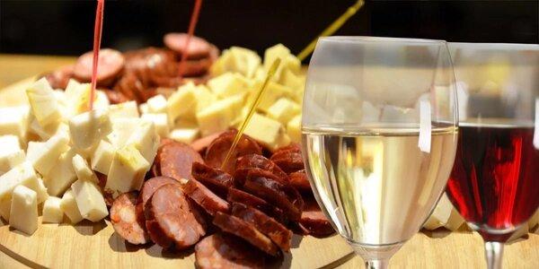 Velká švanda s vínem ve sklípku u Švandy