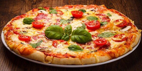 50% sleva na 2 pizzy na pobočkách Pizza Excool