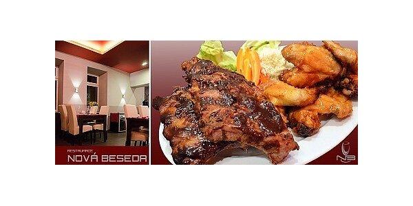 Naložená kuřecí křidélka a žebírka v luxusní restauraci Nová beseda