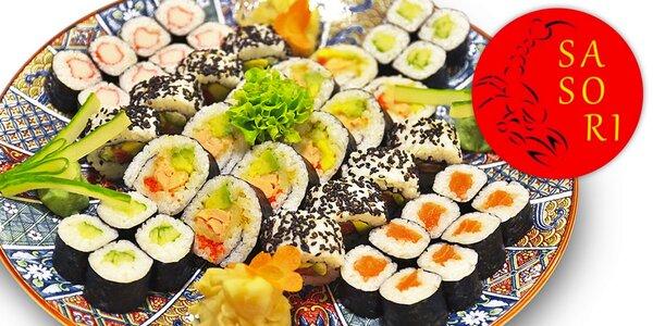 Fantastických 50 kousků sushi v Sasori