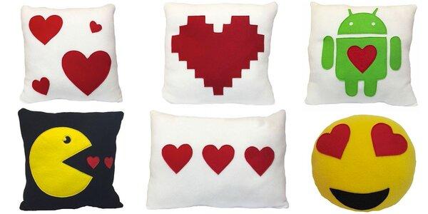 Ručně šité polštářky pro zamilované