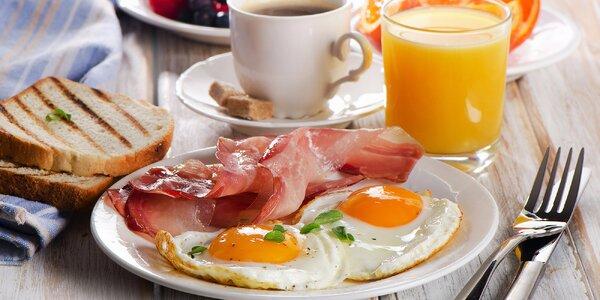 Bohatá bufetová snídaně v centru Prahy