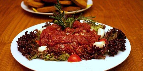 500gramový hovězí tatarák v restauraci Kopyto