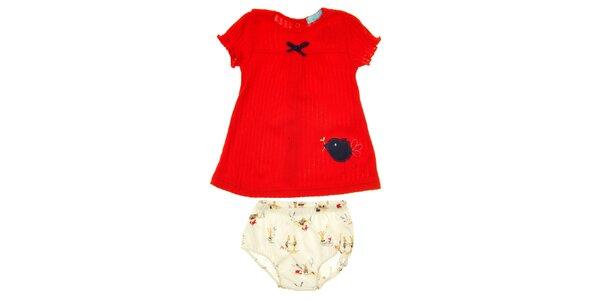 Dětský komplet červeného trička a barevných kahotek