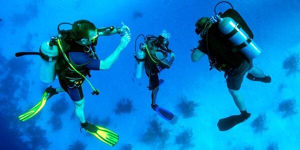 Zkušební ponor s instruktorem na volné vodě