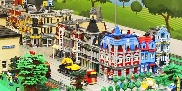 Rodinné vstupné do Kostkolandu a Lego expozice