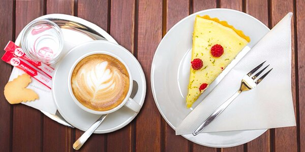 Do Růžové slepičky na dvě kafe a dva zákusky