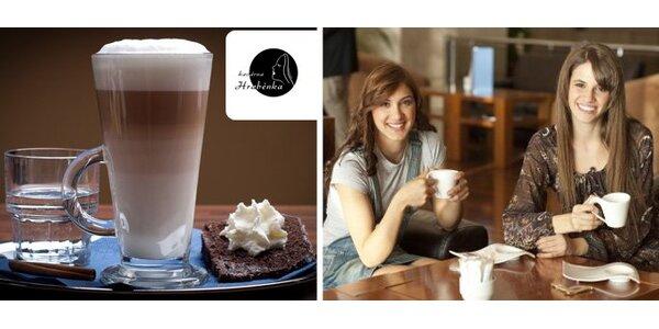 79 Kč za DVĚ cafe latté, DVĚ perlivé vody a DVĚ porce levandulové bábovky