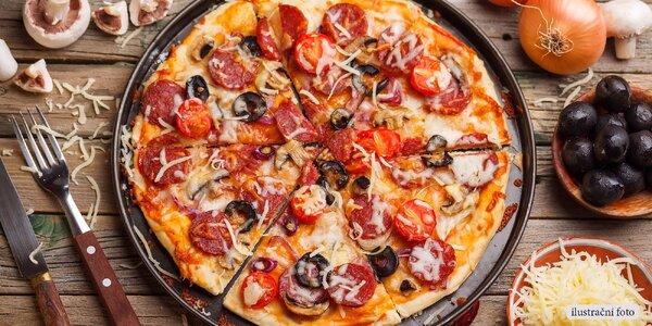 Dvě pravé italské pizzy v Bella Italia