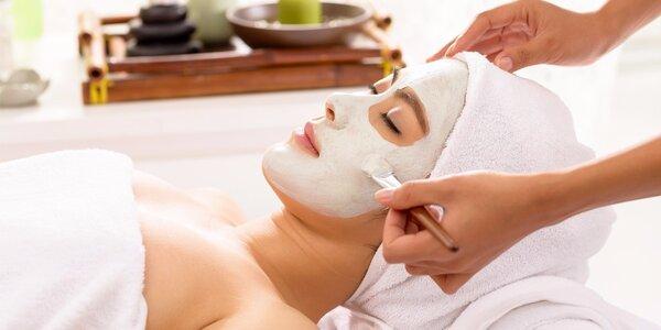 Důkladné čištění pleti včetně masáže obličeje