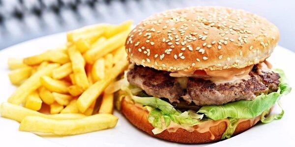Šťavnaté burgery u Karlova mostu