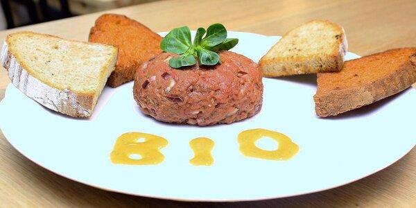500g bio tatarák a 20 topinek v Restauraci Baboo