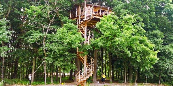 Nocleh v parádním domě na stromě