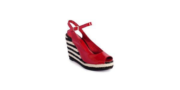 Dámské červené lakované sandály Lola Ramona na vysokém jutovém klínu