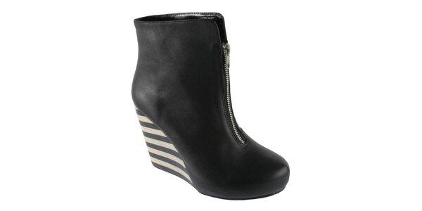 Dámské černé kotníkové boty Lola Ramona na vysokém klínu