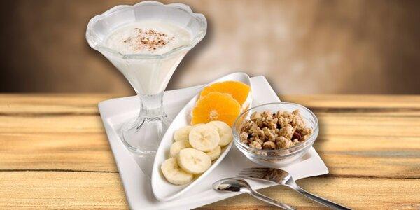 Snídaně dle výběru, káva a limo pro dva