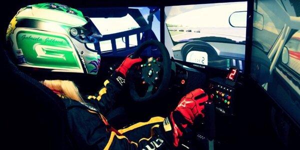 30 minut jízdy na autentickém race simulátoru