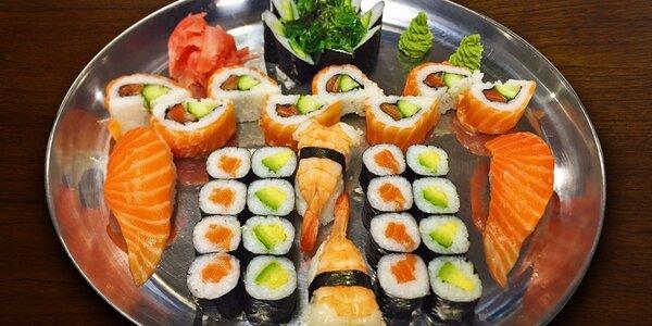 Čerstvé sushi sety včetně salátku
