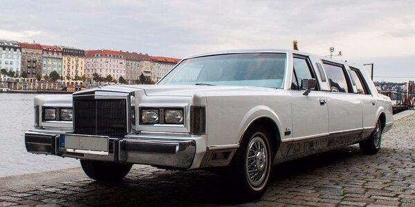 Pronájem luxusní limuzíny s řidičem pro 6 osob