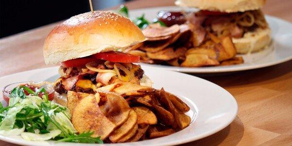 Burgerové menu v restauraci Grand Prix