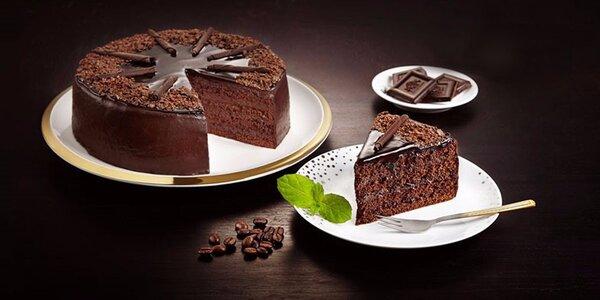 Chutný čokoládový dort ze Snack & Rolls
