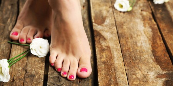 Wellness pedikúra s aplikací Striplacu