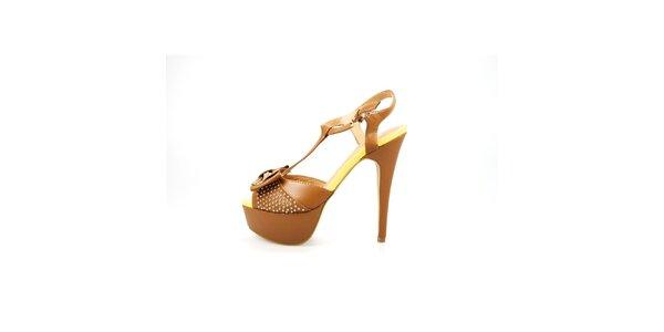 Dámské velbloudí sandály La Strada s kovovými cvoky a mašlí