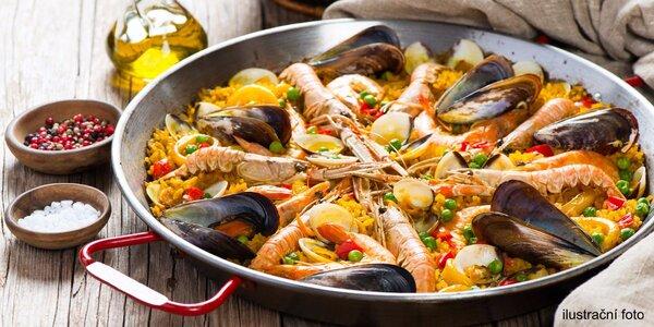 Paella dle výběru a dezert churros pro dva v restauraci Tapas Room