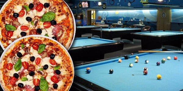 2 pizzy a 2 hodiny kulečníku = zábava pro dva