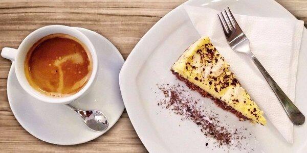 Výtečná káva nebo čaj a domácí dezert