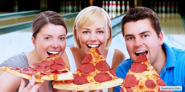 Obrovská pizza spousty chutí a bowling