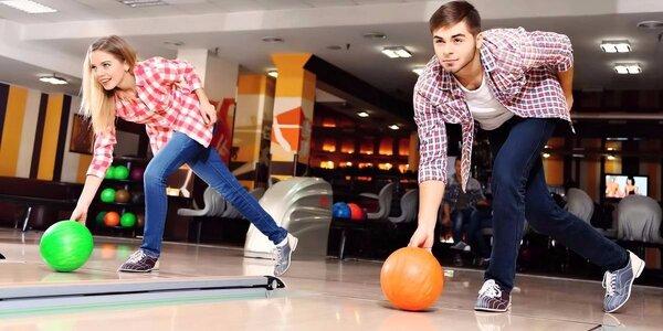 Bowling pro partu přátel ve sportbaru Baarovka