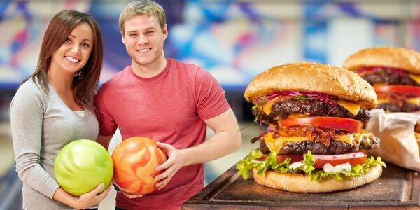 Dva 200g burgery a hodinka bowlingu k tomu
