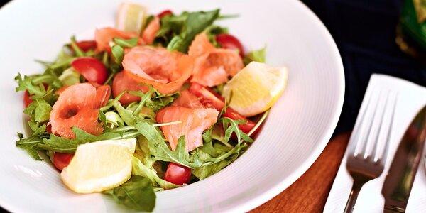 Talíř plný zdraví: Svěží salát podle výběru