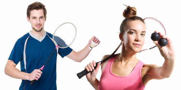 Hodinová hra badmintonu nebo squashe