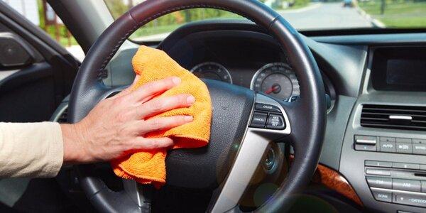 Kompletní čištění interiéru automobilu