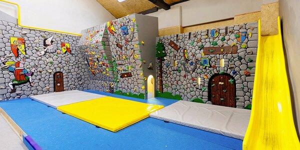 Zábava na lezecké stěně pro celou rodinu