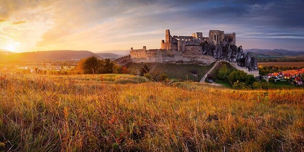 Zážitkový pobyt se vstupy na Čachtický hrad