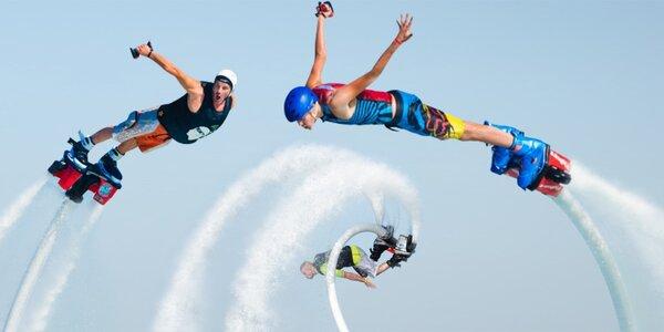Flyboard: proleťte se na tryskách nad Vltavou