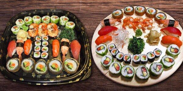 33 parádních kousků sushi se salátem i zázvorem