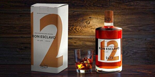 Lahodný rum Esclavo z Dominikánské republiky
