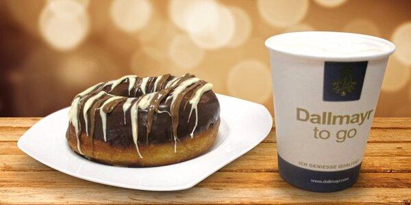 Snídaně i svačina: káva a obří kobliha