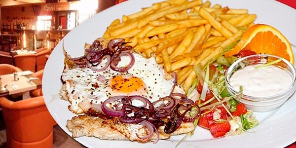 150g kuřecí steak s volským okem a hranolky