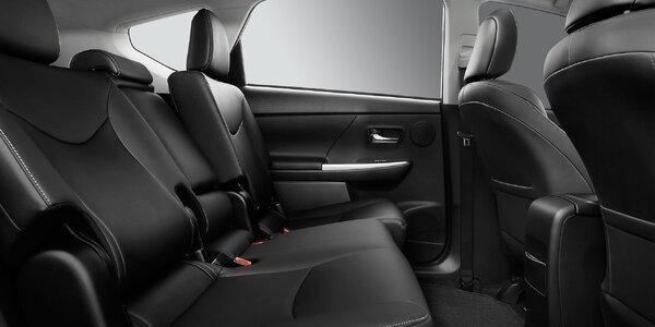 Důkladné čištění interiéru vozidla