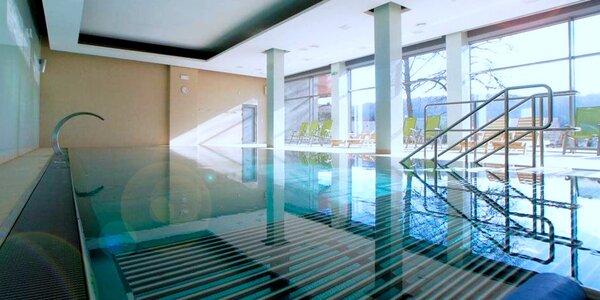 Zápřah v posilovně a pak relax v bazénu