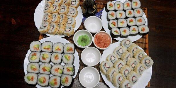 64 parádních barevných kousků sushi k vyzvednutí