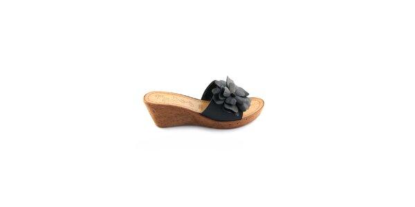 Dámské černé kožené pantofle Miss Butterfly