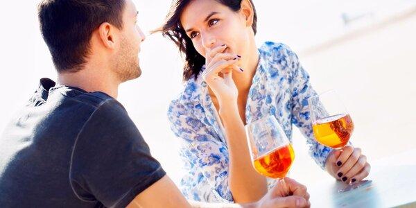 Aperol Spritz: Dvě skleničky svěžího drinku