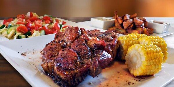 Kilo steaků z krkovice s přílohou a omáčkou
